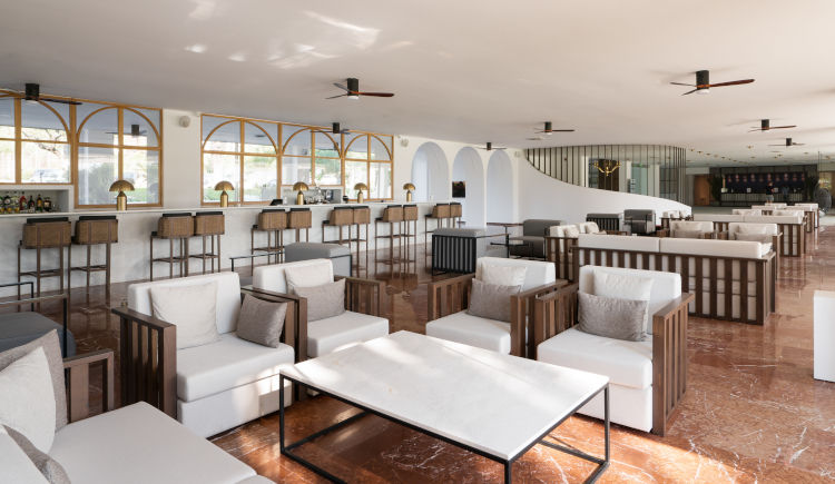 Palm lobby Bar